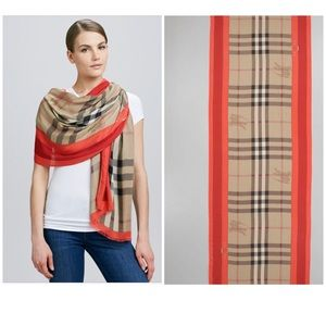 New Authentic Burberry Vintage Check Scarf $495